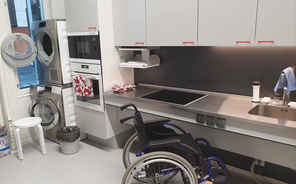 Keittiö ja pyörätuoli